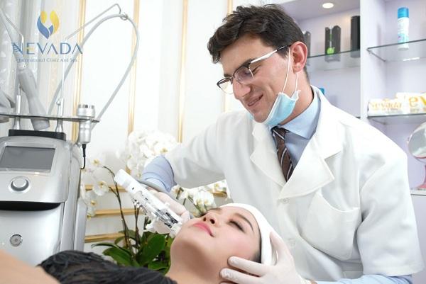 làm căng da mặt không cần phẫu thuật, căng da mặt không cần phẫu thuật gia bao nhieu, căng da mặt không cần giải phẫu, căng da mặt không cần phẫu thuật o dau, căng da mặt không phẫu thuật