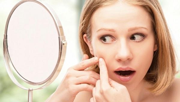 Vô tư make up với cách chăm sóc da mặt bị mụn của chuyên gia làm đẹp