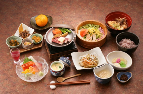 Điều chỉnh thói quen ăn uống giúp hạn chế sự lão hóa