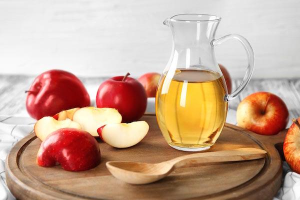 giấm táo, giấm táo chăm sóc da, giấm táo trị mụn ẩn, giấm táo có tốt cho da mặt không, làm đẹp bằng giấm táo, rửa mặt bằng giấm táo