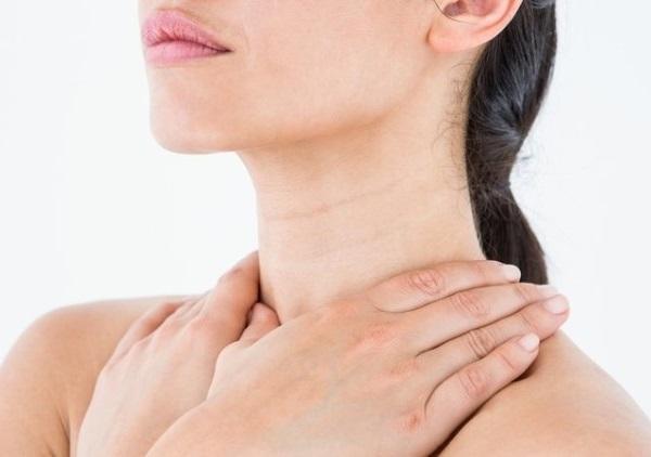 massage cổ chống nhăn, cách massage cổ chống nhăn, cách massage cổ, cách massage vùng cổ chống nhăn, cách massage vùng cổ, massage vùng cổ, massage cổ
