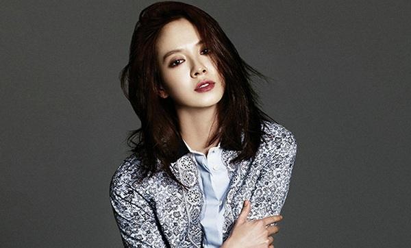 Nữ hoàng mặt mộc Song Ji Hyo