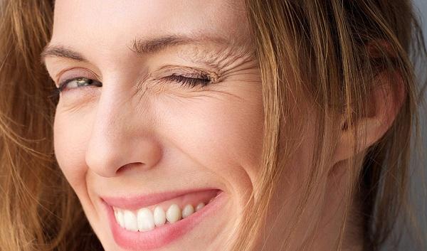 lão hóa da quanh mắt, dấu hiệu lão hóa da quanh mắt