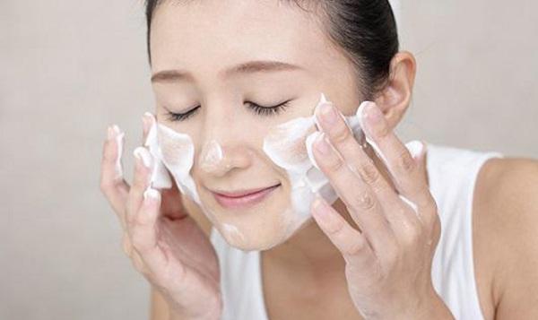 cách rửa mặt không bị chảy xệ, rửa mặt không bị chảy xệ, cách rửa mặt chống lão hóa, rửa mặt chống lão hóa, cách rửa mặt không bị nhăn nheo, rửa mặt không bị nhăn nheo