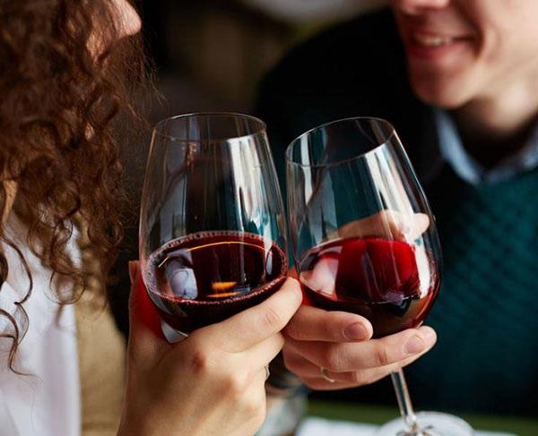 uống rượu vang chống lão hóa, rượu vang chống lão hóa, rượu vang, rượu vang đỏ chống lão hóa