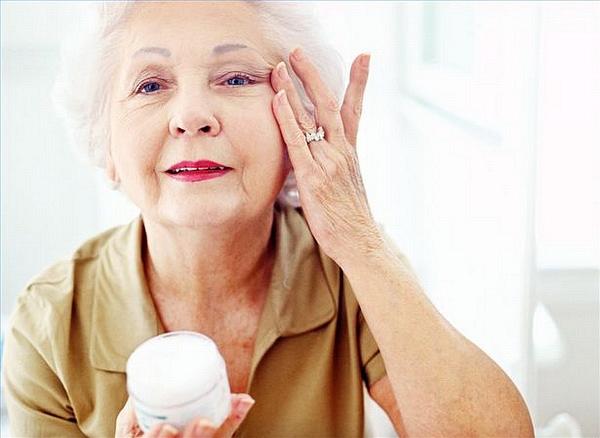 cách chăm sóc da theo từng độ tuổi, chăm sóc da theo độ tuổi, chăm sóc da theo từng độ tuổi, cách chăm sóc da theo độ tuổi, bí quyết chăm sóc da theo độ tuổi