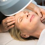 Níu giữ thanh xuân với cách chăm sóc da cho phụ nữ tuổi 30