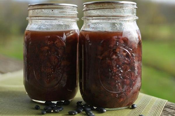 làm đẹp da bằng nước uống đậu đen