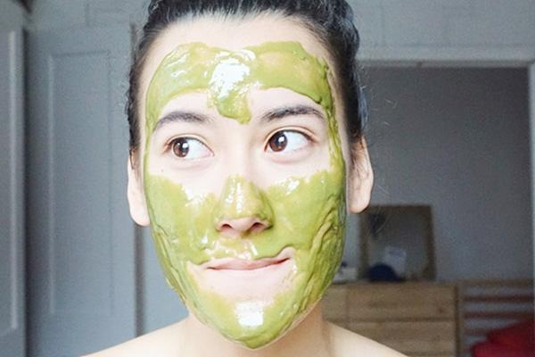 Cách làm mặt nạ bột trà xanh trị mụn