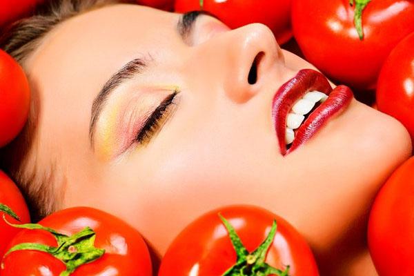 Hướng dẫn cách đắp mặt nạ bằng cà chua