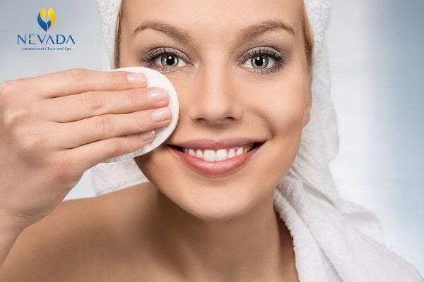 chăm sóc da tuổi trung niên, các bước chăm sóc da cho người trung niên, cách chăm sóc da mặt tuổi trung niên
